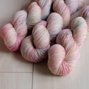 04 Blooming Pretty - Merino Sock